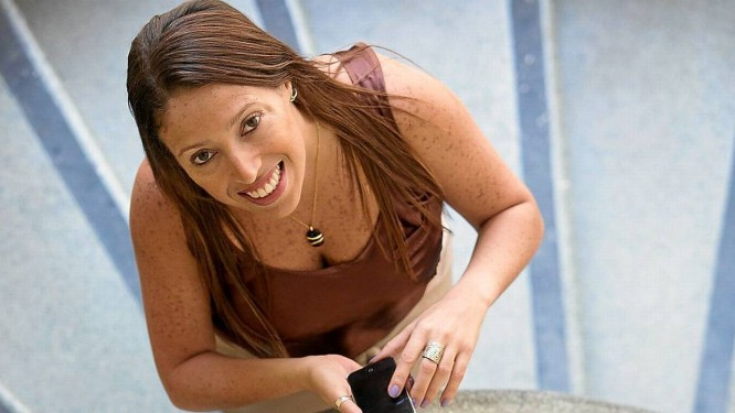 Insatisfeita com o serviço, Carla Devecchi teme gastar mais com o novo modelo de tarifação Foto: Daniela Dacorso