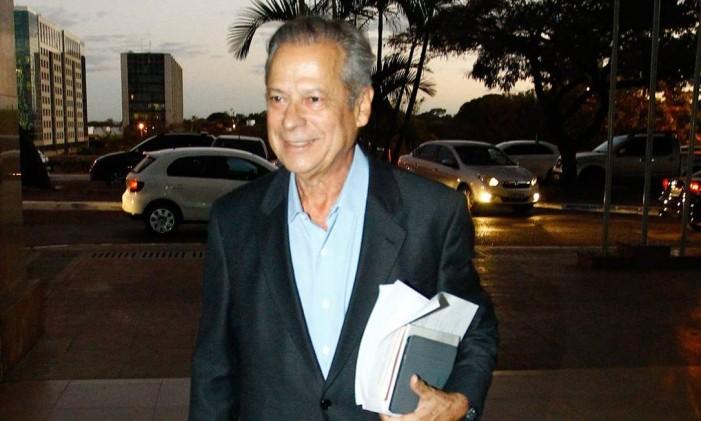 José Dirceu: em breve, pena pode ser cumprida em casa Foto: André Coelho / O Globo