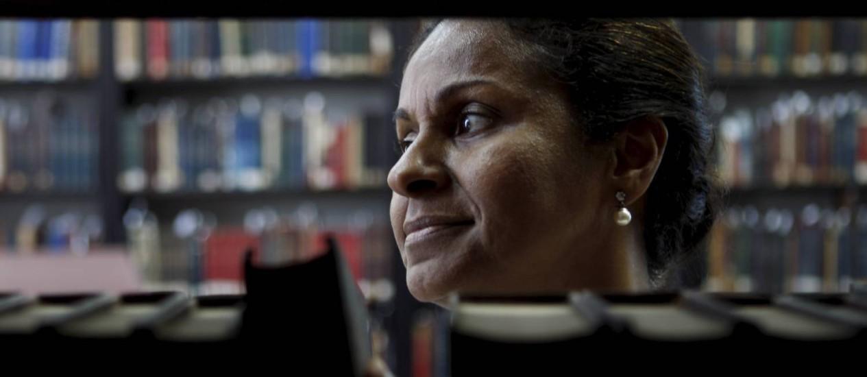 Ana Virgínia, cuida dos livros raros da Biblioteca Nacional. Foto: Gustavo Stephan