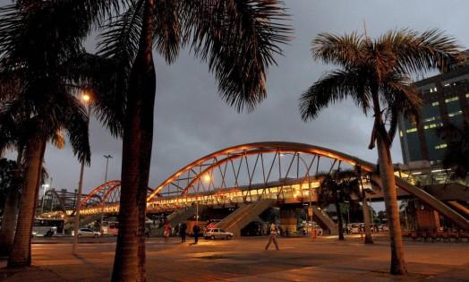 Rio amanheceu com chuva e tempo frio no Rio Foto: Pedro Teixeira / Agência O Globo