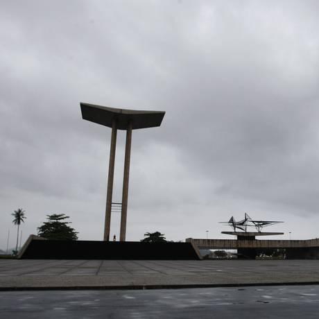 Monumento em homenagem aos brasileiros mortos na Segunda Guerra Mundial, no Aterro do Flamengo Foto: Pedro Teixeira / Agência O Globo