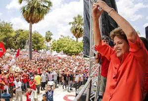 Em Petrolina, Dilma Rousseff (PT) alfinetou adversário do PSDB e afirmou que a região é 'ignorante' por 'ignorar tucanos' Foto: ICHIRO GUERRA / O Globo
