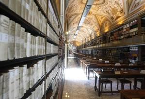 A Biblioteca Apostólica do Vaticano espera ter preservado digitalmente 15 mil documentos nos próximos quatro anos Foto: Pier Paolo Cito / AP
