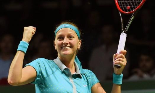 A tcheca Petra Kvitova comemora sua primeira vitória em dois jogos no WTA Finals de Cingapura Foto: ROSLAN RAHMAN / AFP