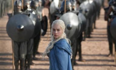 """A atriz Emilia Clarke como Daenerys Targaryen no sucesso da HBO """"Game of Thrones"""" Foto: Keith Bernstein / Divulgação"""