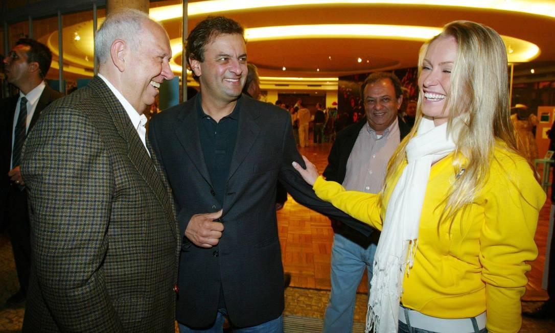 Em 2008, no jogo entre Brasil e Argentina no Mineirão, com Leticia Weber e o então vice-presidente José Alencar Foto: Marcos Ramos / Agência O Globo