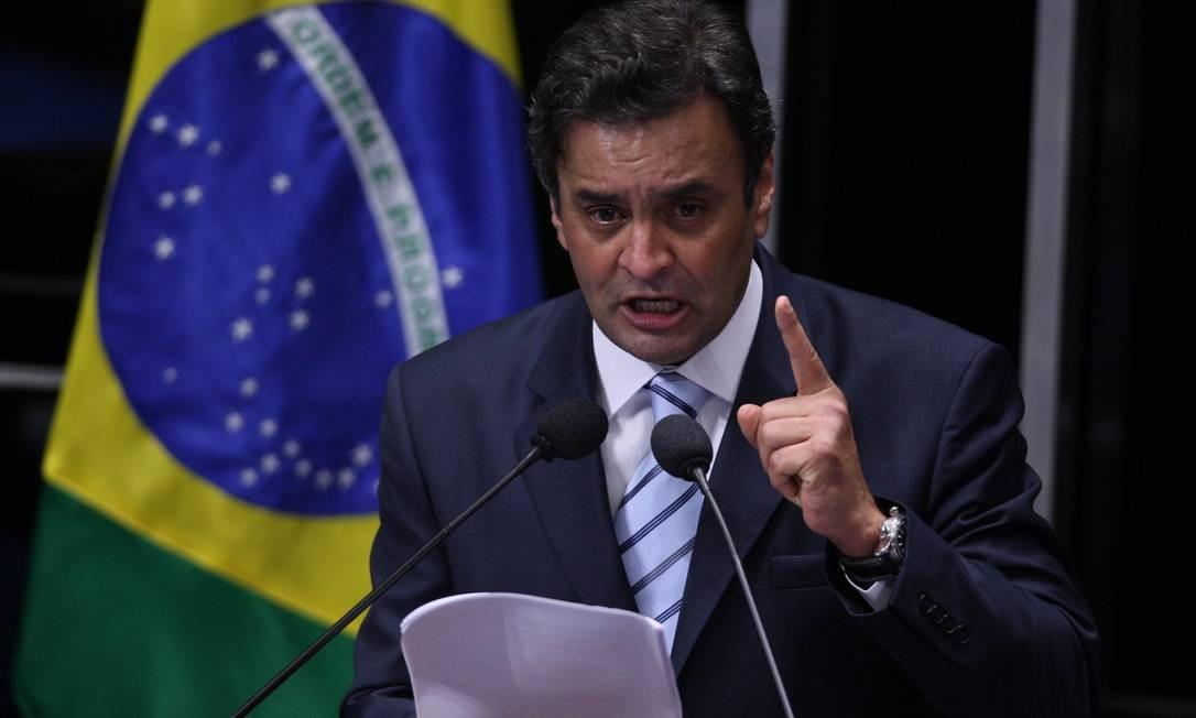Em 2011, Aécio discursa no Senado Federal Foto: Ailton de Freitas / Agência O Globo