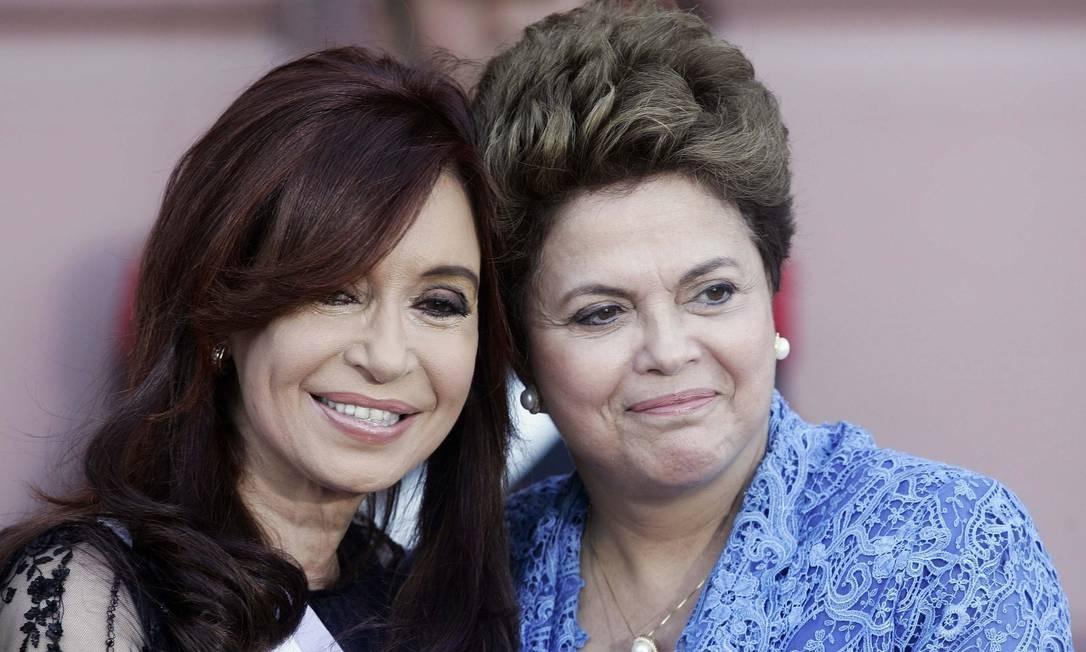 Em 2011, Dilma vai a Casa Rosada para a cerimônia de posse da reeleição da presidente argentina Cristina Kirchner Foto: MARTIN ACOSTA / REUTERS