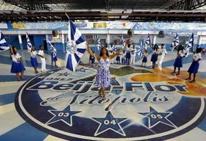 Selminha Sorriso, porta-bandeira da escola carioca Beija-Flor Foto: Luis Alvarenga / Agência O Globo