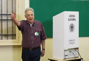 Depois de votar em São Paulo, FH critica postura do ex-presidente Lula durante o período eleitoral Foto: Michel Filho/Agência O Globo / Michel Filho/Agência O Globo