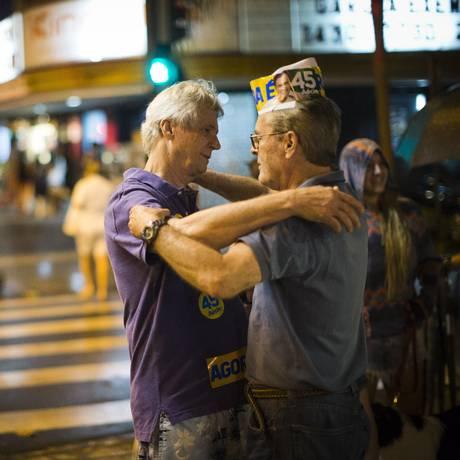 Clima foi de consternação no Bar Clipper Foto: Guito Moreto / Agência O Globo