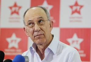 Rui Falcão: 'Só o Congresso Nacional não conseguirá fazer a reforma política' Foto: Michel Filho / Agência O Globo