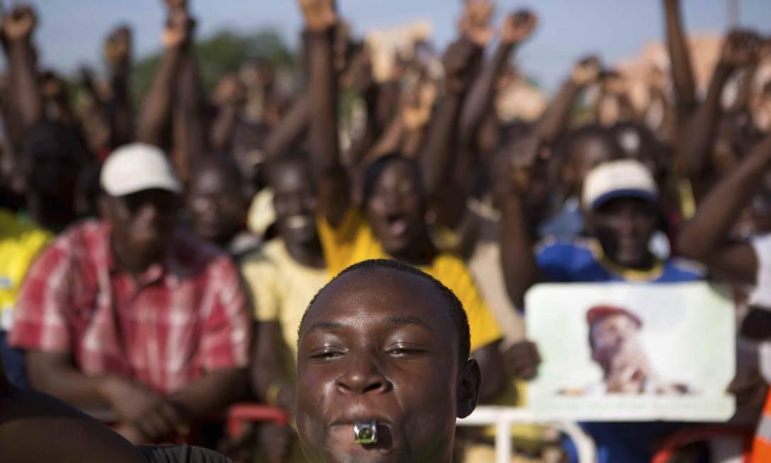 """Manifestantes afirmam que emenda é uma tentativa de """"golpe de Estado constitucional"""" Foto: JOE PENNEY / REUTERS"""