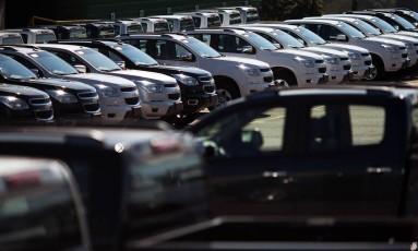 Veículos estacionados em fábrica da GM em São José dos Campos Foto: STRINGER/BRAZIL / REUTERS