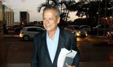 José irá agora para casa cumprir o restante da pena Foto: André Coelho / O Globo