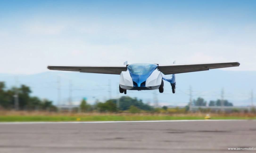 Carro voador não precisa de pista asfaltada para decolar, mas espaço precisa ter 200 metros de comprimento Foto: Divulgação