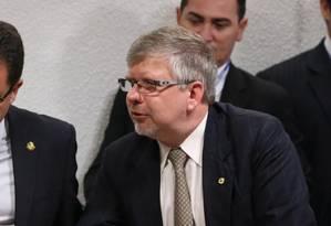 Marco Maia (á direita): quebrar sigilos de empreiteiras pode ser 'inócuo' Foto: Ailton de Freitas / Agência O Globo