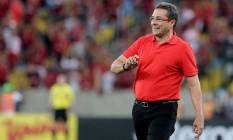 Luxemburgo agora quer o time concentrado no Campeonato Brasileiro, pois o time ainda não saiu da 'confusão' Foto: Marcelo Theobald / Extra