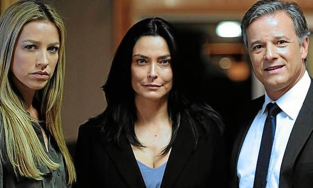 Na trama.Valéria Monteiro (ao centro) em cena com Luana Piovani e Novaes Foto: Fotos de divulgação