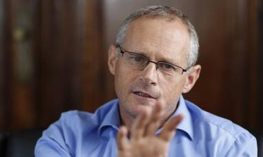 O secretário estadual de Segurança planeja agregar mais ações sociais ao programa das UPPs Foto: Paula Giolito / Agência O Globo (06/12/2013)