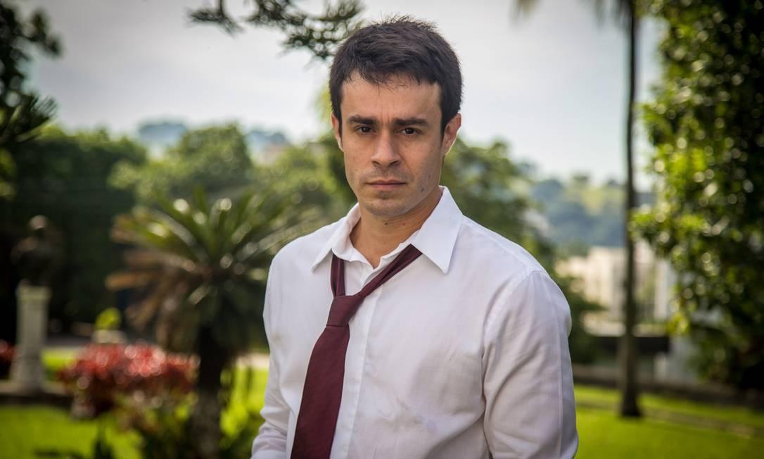 Erom Cordeiro é Fernando em 'Império' Foto: TV Globo/Paulo Belote