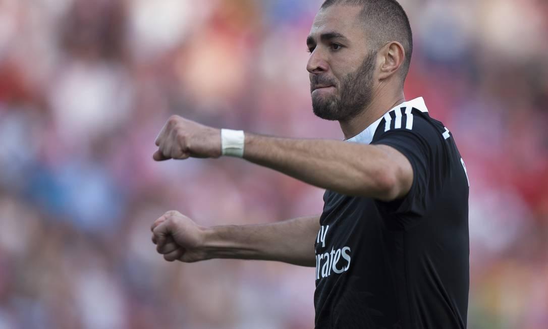 O francês Benzema foi outro que marcou na goleada do Real Foto: Daniel Tejedor / AP