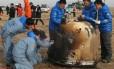 Sonda chinesa é vistoriada por técnicos na Mongólia