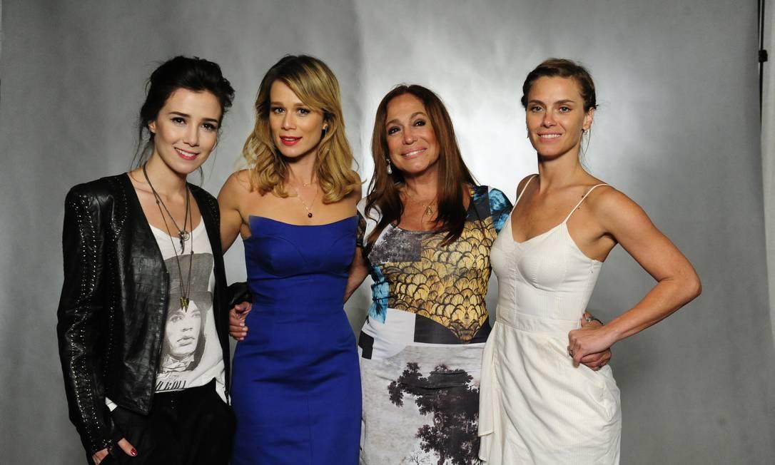 Marjorie Estiano , Mariana Ximenes , Suzana Vieira e Carolina Dieckmmann Foto: Globo/Estevam Avellar