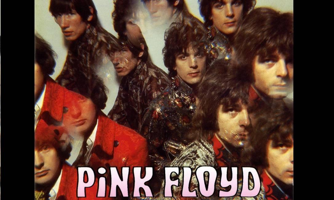 """""""The piper at the gates of dawn"""" (1967): O primeiro do Pink Floyd foi gravado em Abbey Road na época que os Beatles trabalhavam em """"Sgt. Pepper's"""". Mas não foi a única coincidência entre os dois. A lente para a futura capa foi emprestada a Vic Singh por George Harrison. A ideia era criar um efeito de caleidoscópio que lembrasse uma viagem de LSD. Foto: Divulgação"""