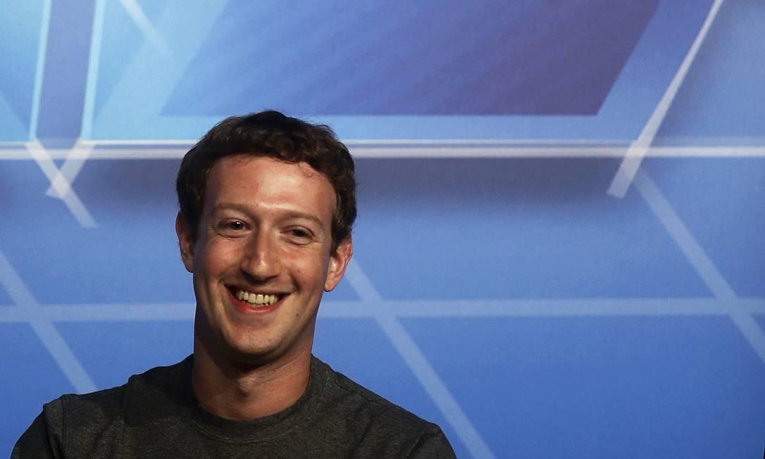 Mark Zuckerberg explica por que usa a mesma camisa todos os dias: 'Quero limpar minha vida'