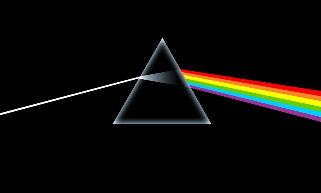 """""""The dark side of the moon"""" (1973): Uma das capas mais famosas da história da música nasceu a partir de uma sugestão do tecladista Richard Wright. Ele disse que a banda queria algo mais """"clássico"""" e """"sofisticado"""", simples e marcante. Após sete tentativas, deu certo. Foto: Divulgação"""