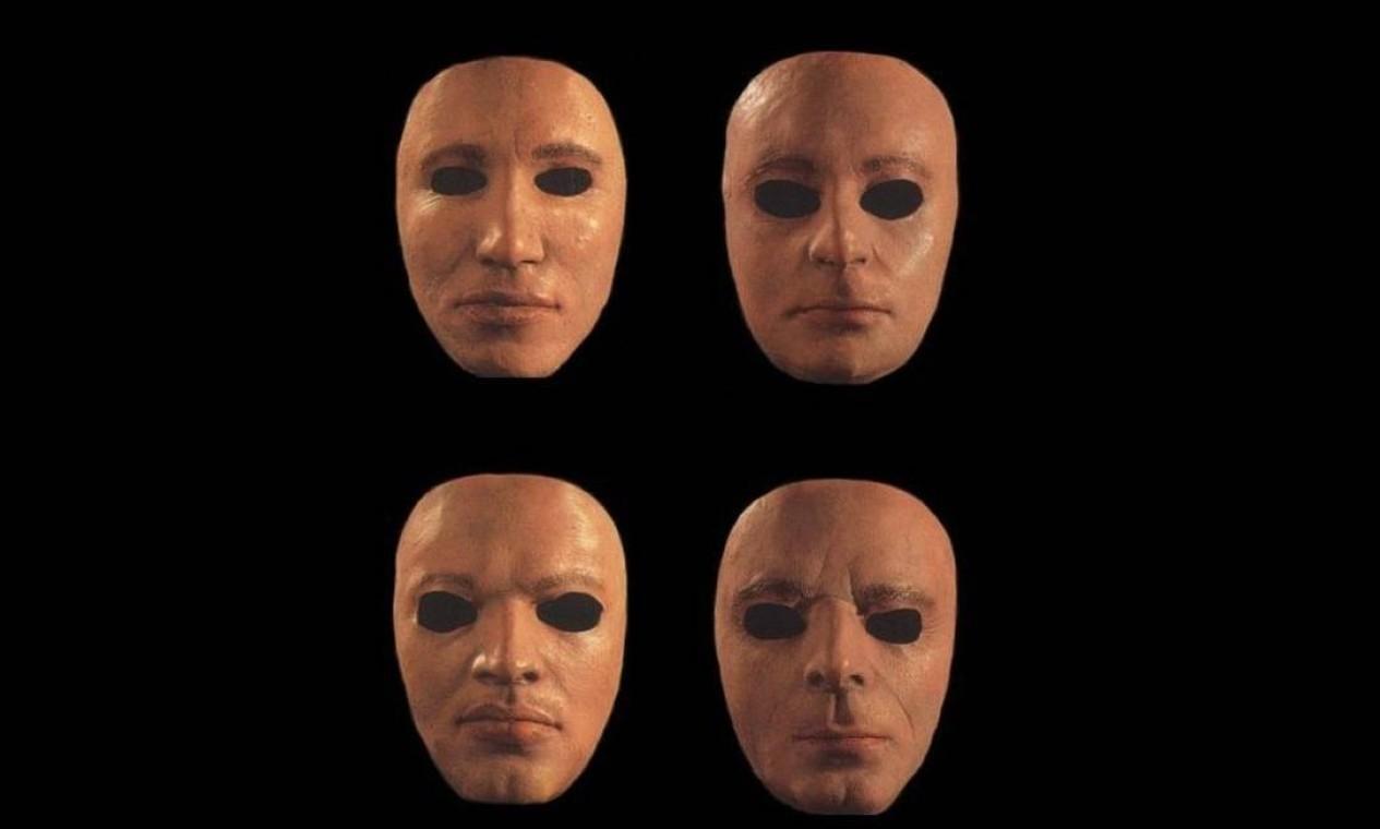 """""""The Wall Live 80-81"""" (2000): Lançado apenas em 2000, o disco acompanha a financeiramente desastrada turnê-espetáculo de """"The wall"""". A capa é forte, mostrando a """"banda substituta"""" citada nas letras do disco de estúdio: máscaras moldadas com os rostos de Waters, Gilmour, Wright, Mason. Foto: Divulgação"""