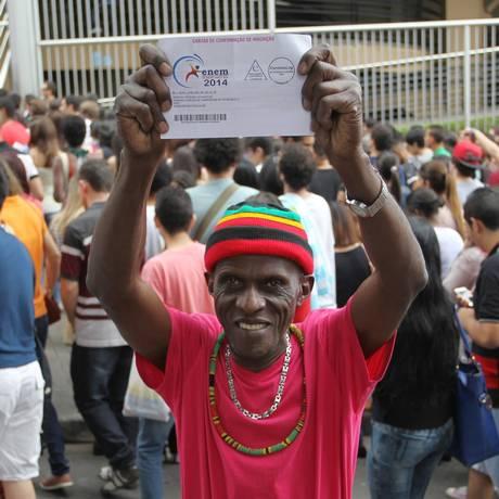 O metalúrgico Dorival Pereira dos Santos, de 71 anos Foto: Fernando Donasci / Agência O Globo