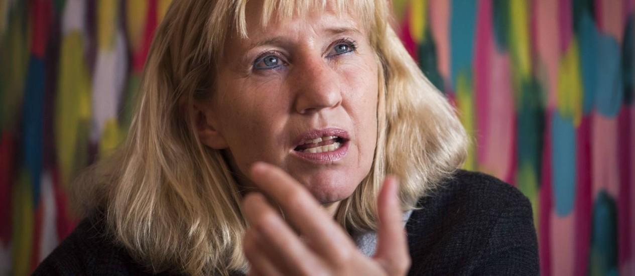 Ines Geipel, ex-atleta da República Democrática Alemã, exige explicações de organizações internacionais esportivas sobre o uso de doping Foto: ODD ANDERSEN/AFP