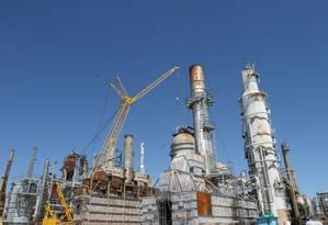 Refinaria Pasadena, da Petrobras, nos EUA, foi o estopim para a crise na estatal Foto: Agência O Globo