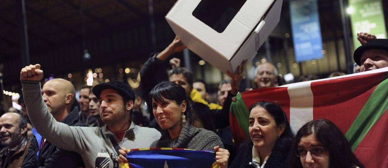 Ativistas pró-independência em reunião de organização da consulta popular, em Barcelona Foto: JOSEP LAGO/AFP