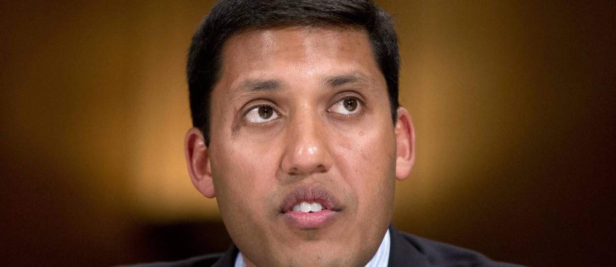 Diretor da USAID, Rajiv Shah, durante depoimento em Washington. Agência passará por reformas Foto: Pablo Martinez Monsivais / AP