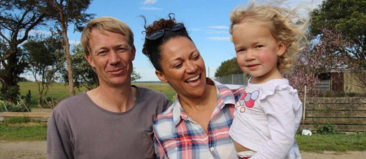 Aminah Hart com Leila e seu futuro marido, Scott Andersen Foto: Anthony Sines / ABC Australian Story
