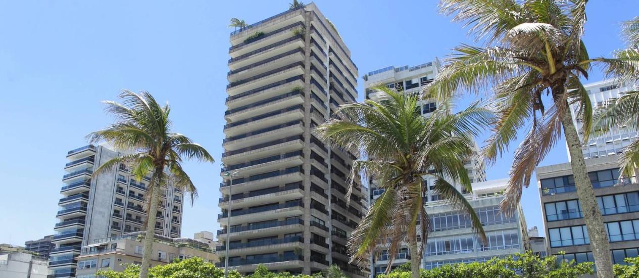 Edifício Cap Ferrat, em Ipanema, tem apartamento disponível por R$ 70 milhões Foto: Domingos Peixoto / Agência O Globo