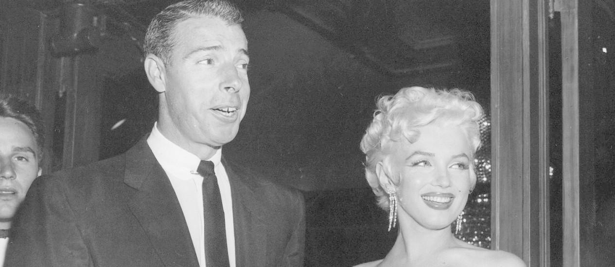 Marilyn Monroe com seu segundo marido Joe DiMaggio, em 1955 Foto: Uncredited / AP