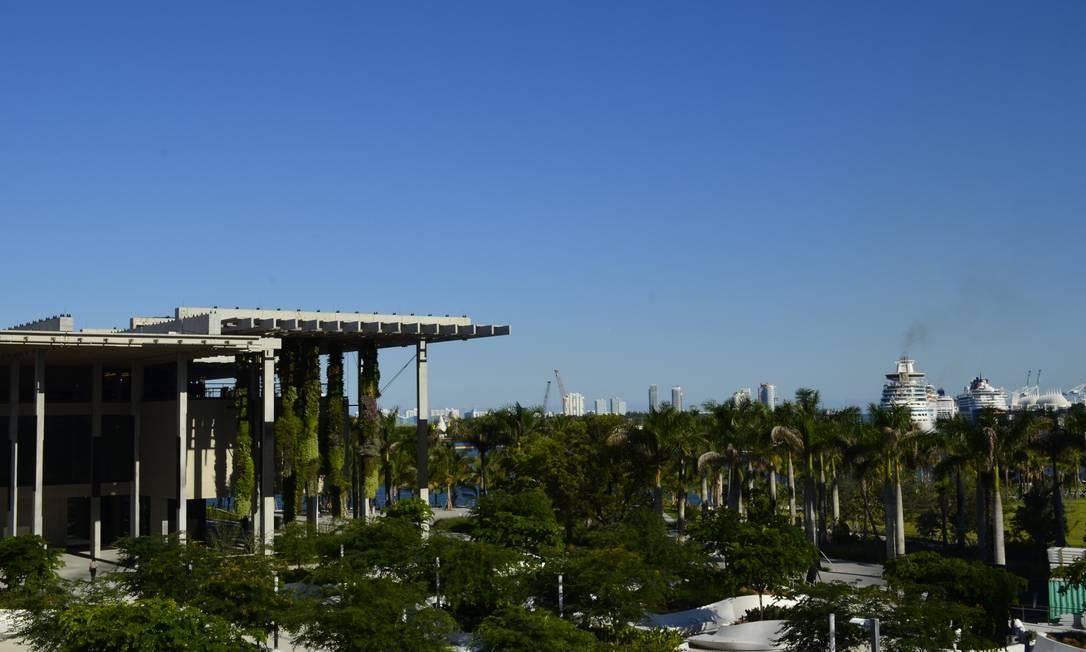 Pérez Museum em Miami: projeto valoriza a localização com vista para o porto Foto: Cristina Massari / Agência O Globo