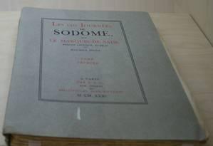 """Exemplar de uma edição clandestina de """"120 dias de Sodoma"""", de 1931. Até 1945, obras do Marquês de Sade circulavam escondidas Foto: Reprodução"""