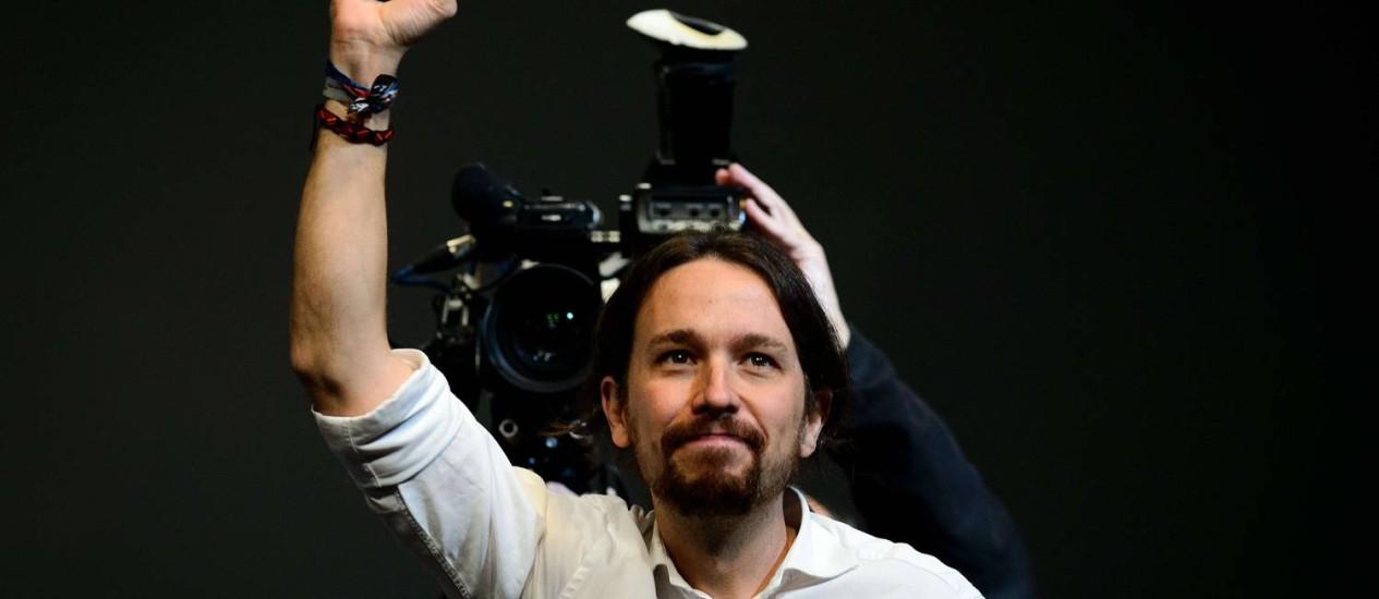 Pablo Igesias comemora a eleição de líder do Podemos Foto: DANI POZO / AFP