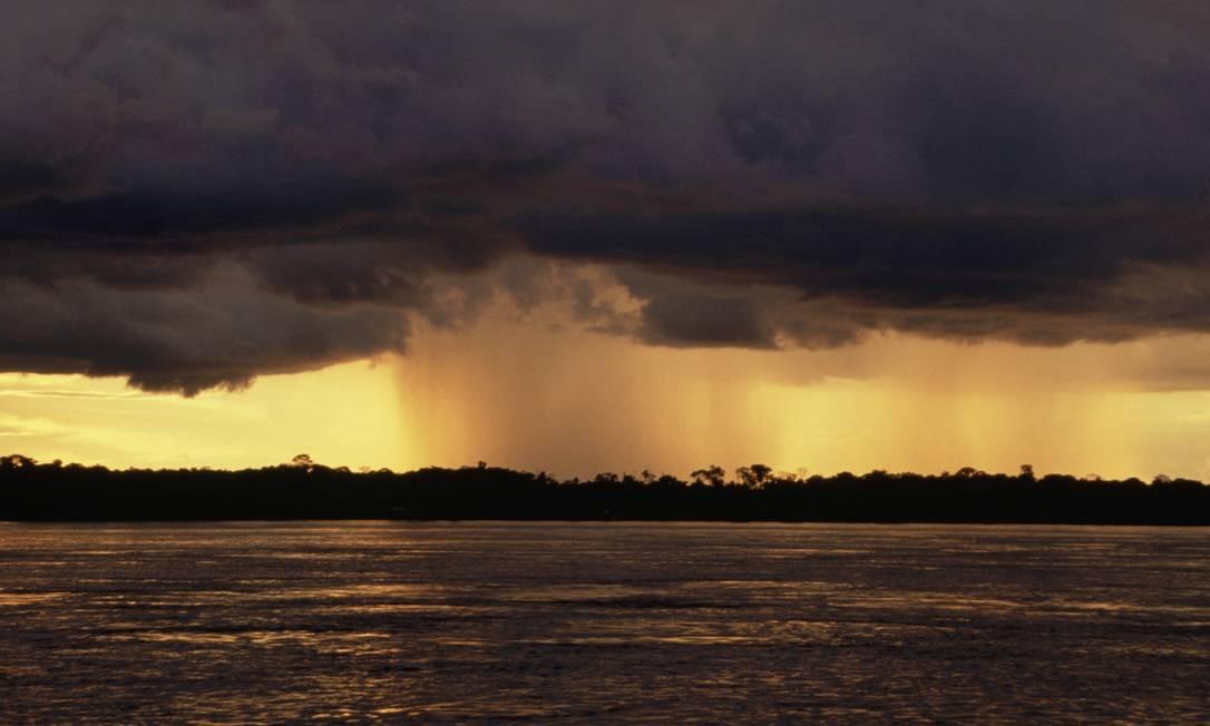 No caminho: 'rio voador' sobre o Amazonas Foto: Julia Waterlow/Eye Ubiquitous