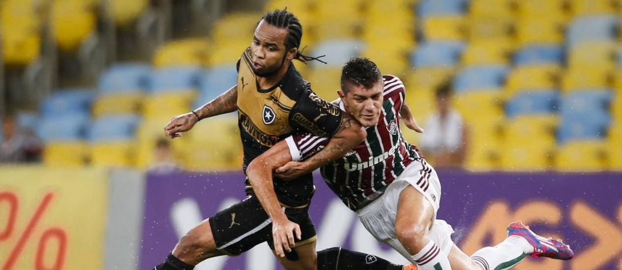 Carlos Alberto foi vaiado pela torcida do Botafogo após o gol perdido contra o Flu Foto: Guito Moreto / Agência O Globo