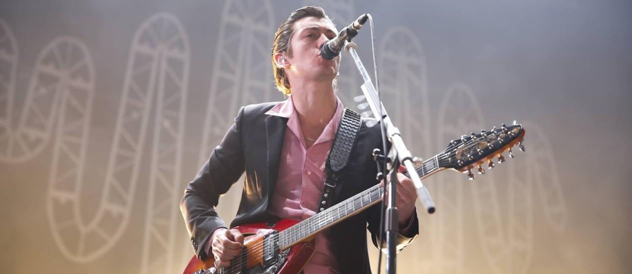Alex Turner no show do Arctic Monkeys, no Rio de Janeiro Foto: Felipe Panfili / Divulgação