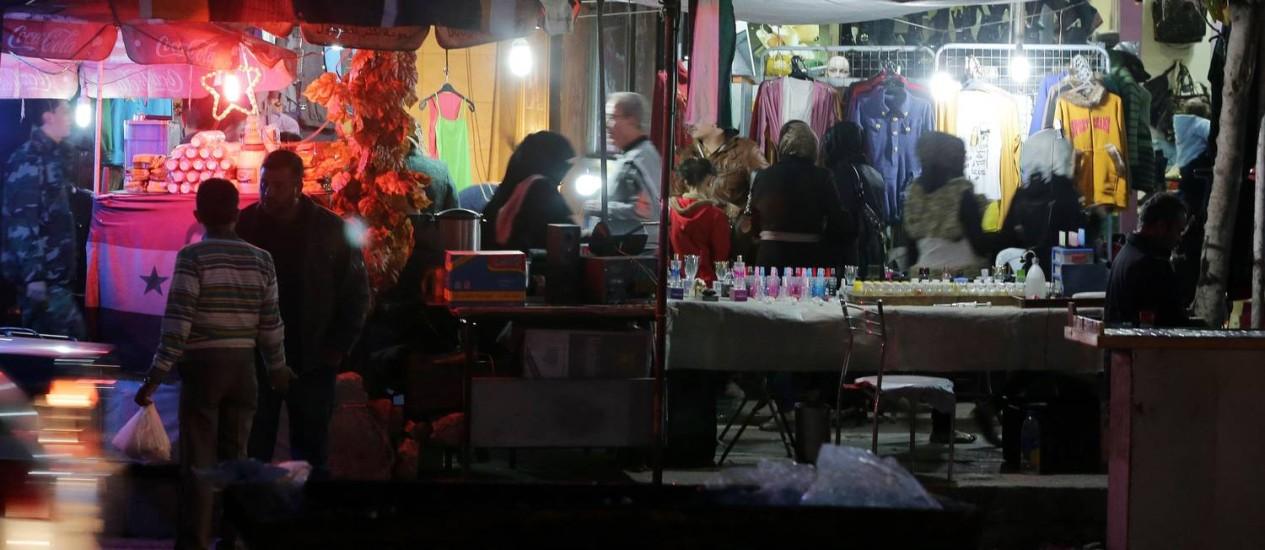 Mercado em Aleppo: boa parte da população síria está desempregada Foto: JOSEPH EID / AFP