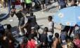 Flagrante mostra um dos vários arrastões durante a Parada do Orgulho LGBT, em Copacabana