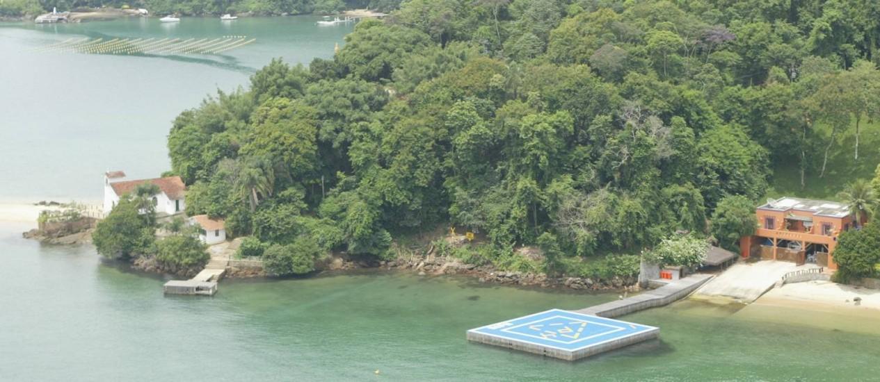 Cais e heliporto em residência na Costa Verde Foto: Domingos Peixoto