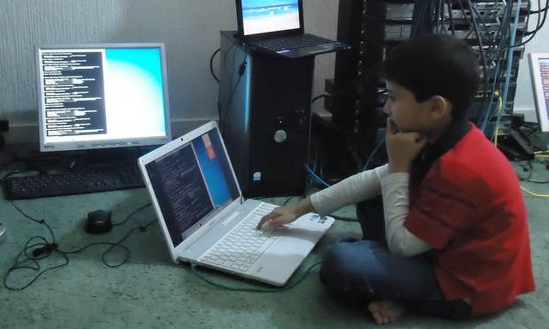Ayan Qureshi: especialista certificado em computação aos seis anos de idade Foto: / Reprodução